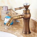 Faucet antigo da embarcação do banheiro da bacia de Flg com punho de cristal