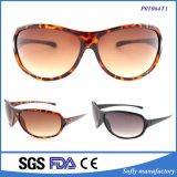 I vetri di Sun UV del gatto 3 di disegno dell'OEM hanno polarizzato gli occhiali da sole personalizzati donne