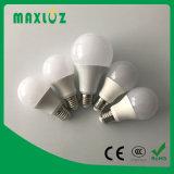 Aluminio caliente de la venta A60 LED + luz plástica del bulbo LED