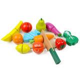 Simulando o corte feliz do corte do corte dos brinquedos da fruta dos miúdos