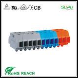 Porción de conector del bloque de terminales con los bordes de la fijación