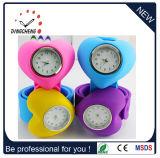 El reloj lindo colorido del silicón de los niños de la venda de la palmada de los surtidores de China embroma el reloj de la palmada