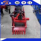 Récolte agricole de pommes de terre / cacahuètes pour tracteur