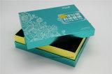 Rectángulo de papel de empaquetado del cosmético de lujo con el sellado de la hoja
