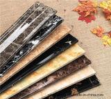 Alto lustre que bordea el suelo que moldea el PVC