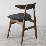 Soft Seat를 가진 현대 Design Wooden Furniture Classical Dining Chair