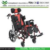 Inclinação na cadeira de rodas das crianças do espaço