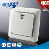 Interruttore della parete con l'indicatore luminoso di indicatore del LED