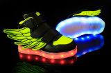 LED 가벼운 스포츠를 비용을 부과하는 아이 USB는 단화 번쩍이는 운동화를 공중을 난다