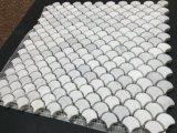 Tegel van het Mozaïek van de Schaal van de Vissen van Italië Bianco Carrera de Witte Marmeren Mini
