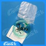 Masque à oxygène avec le sac de réservoir pour l'animal