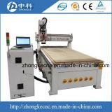 Центр автоматического маршрутизатора CNC изменения инструмента деревянный отростчатый
