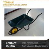 A construção concreta de África utiliza ferramentas o Wheelbarrow