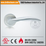 En1906 Solid Lever Handle на Round Rose