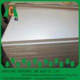 Placa do MDF da alta qualidade com o MDF da melamina/melamina