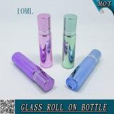 bouteille en verre Electroplated colorée de boule de commande 10ml avec le chapeau en aluminium
