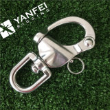 旋回装置の目が付いている装備のハードウェアステンレス製の鋼鉄スナップの手錠
