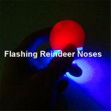 O diodo emissor de luz ilumina acima o nariz da rena