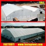 屋外の一時記憶域の多角形の玄関ひさしの倉庫のテント