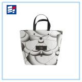 印刷の習慣のアートワークが付いている高品質のペーパーハンドル袋