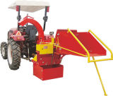 Trator de rodas com Pto Wood Chipper