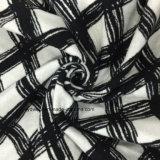 Шинель ткани шерстей проверки эскиза