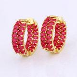 Baratos de moda china sencilla oro plateado pendiente top diseños / nuevo modelo de zirconia cúbico Huggie pendientes para las mujeres