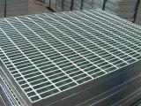 Mallas para pisos y peldaños industriales (grating)