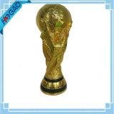 Trophée impressionnant de Soccor de trophée de résine d'or de récompense de trophée du football d'imagination