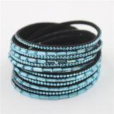 De hete Verkopende LuxeArmbanden van de Omslag van het Kristal van het Leer van het Fluweel van het Bergkristal