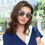 도매 이탈리아 디자인 유리 세륨 UV400 색안경은 여자 2017년을%s 극화했다