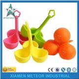 Kundenspezifischer Plastikeinspritzung-Farben-Karikatur-netter Tafelgeschirr-Silikon-Gummi OEM/ODM