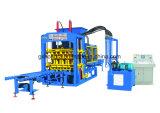 Ultimo mattone di tecnologia di Qt6-15b che forma il macchinario edile