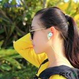 Nuevos conectores del USB de la llegada y auricular de Bluetooth del uso del teléfono móvil