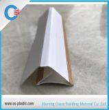Angolo laminato di legno del PVC per connettere i comitati di soffitto del PVC