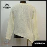 Maglione lungo tagliato bianco del manicotto della maglia delle donne