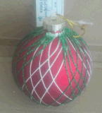 Esfera de vidro Assorted Natal com o decalque vermelho e branco dos cervos
