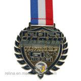 リボンが付いているカスタム半分のマラソン5k 10kの実行のフィニッシャーメダル
