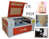 Máquina de comercio al por menor 50W láser para el corte de grabado no metales