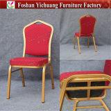 Marco de aluminio de la tela roja que empila la silla Yc-Zl22-02 de la habitación