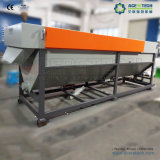 Überschüssiger PET pp. steifer Plastik, der Maschine aufbereitend sich wäscht