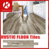 木製デザイン一見の陶磁器の磁器の床タイルの木のスクラブルのタイル