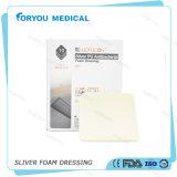 Cuidado médico de la herida de Foryou que viste la espuma antimicrobiana del AG de los suministros médicos que viste la pista absorbente de la plata