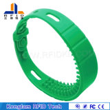Bracelet de taille ajustable d'IDENTIFICATION RF de silicones d'écran en soie pour la plage se baignante