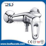 Chrome Faucet de Cozinha Único Handle com plataforma de pulverização extraível montado