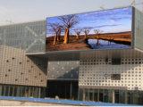 Im FreienRGB P10 LED Anschlagtafel-wasserdichten Baugruppen-Bildschirm bekanntmachend