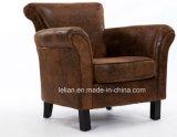 A vila americana modela a única cadeira do braço para a sala de visitas (LL-BC0081)
