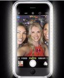 Selfie enciende para arriba el caso de Lumeee del teléfono para el iPhone 6s