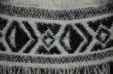 縁を付けられたアズテック派のニットの柔らかいポンチョの最新の女性のセーターデザイン