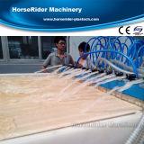 Cadena de producción hueco de la protuberancia del marco del tablero de la puerta del PVC WPC máquina